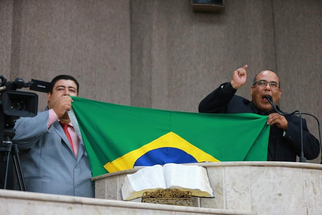 Cabo Amintas sai em apoio a Bolsonaro e pede cadeia para Igor Kannário