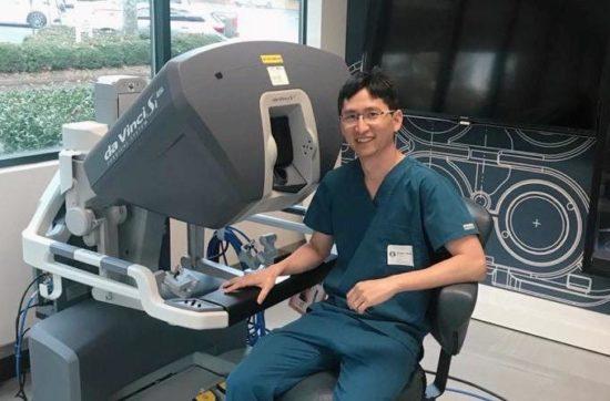 Urologista radicado em Aracaju é cirurgião robótico com certificação internacional