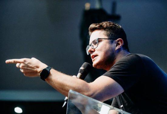 Pastor Deive Leonardo retorna a Aracaju com nova palestra