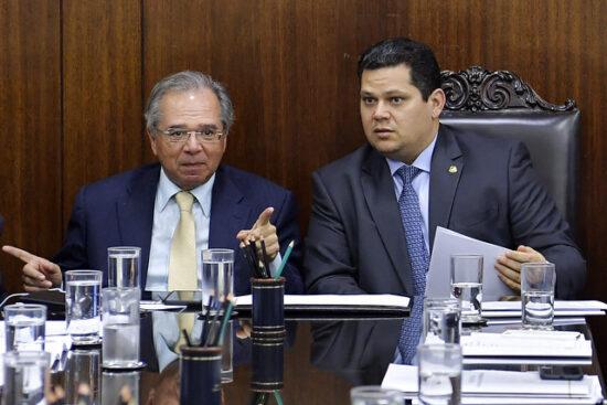 Plano de ajuda a estados pode chegar a R$ 130 bilhões, avalia Guedes