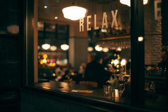 Delivery salva muitos bares, mas número de fechados pode chegar a 300