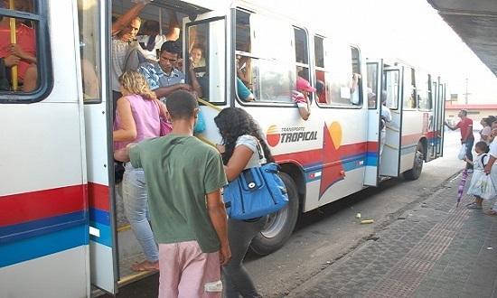 Com anúncio de atraso salarial, rodoviários ameaçam entrar em greve