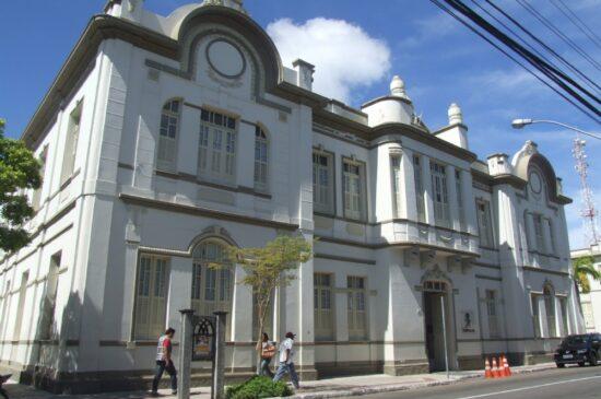 Quase 5 mil sergipanos deram entrada no seguro-desemprego em abril