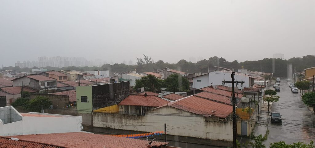 Meteorologia prevê chuva e trovoadas no final de semana em Sergipe