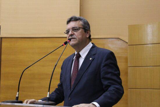 PL de Luciano Pimentel recomenda que empresas mantenham profissional de enfermagem durante a pandemia
