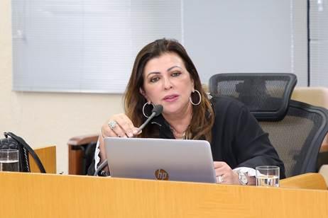 COOPERADOS RECEBEM DOAÇÃO DE CESTAS BÁSICAS