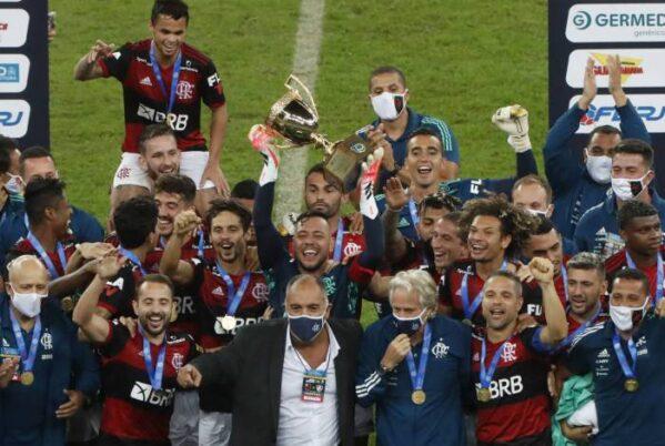 Com gol no fim, Flamengo derrota o Fluminense e conquista o bi do Carioca