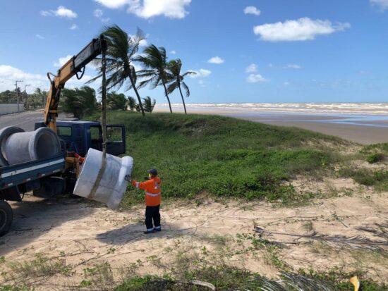 Acessos às faixas de areia das praias de Aracaju são bloqueados