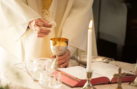 Arquidiocese aguarda decisão sobre permanência de missas presenciais