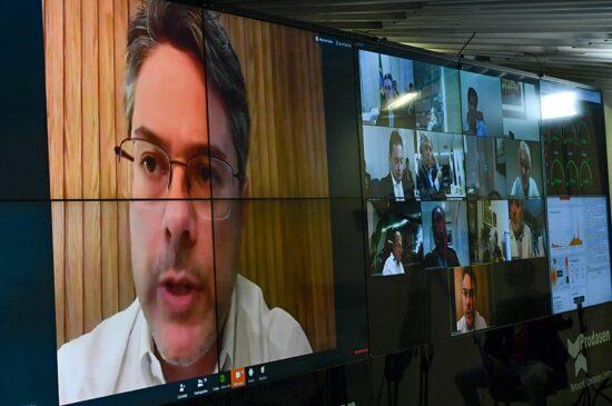 Alessandro Vieira pede informações ao WhatsApp sobre bloqueio de contas do PT