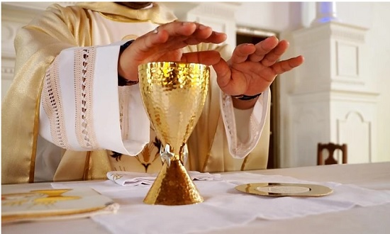 Igreja católica retoma missas presenciais a partir deste sábado
