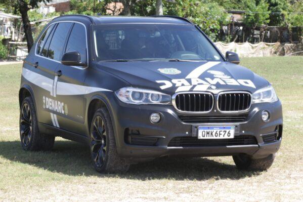 BMW apreendida em operação da Polícia Civil de Sergipe é transformada em viatura do Denarc