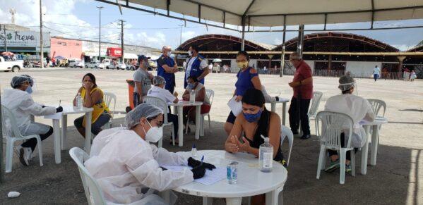 Prefeitura de Aracaju realiza teste rápidos em praça dos Mercados