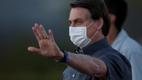 Auxílio emergencial cai para R$ 300 e terá mais 4 parcelas, diz Bolsonaro