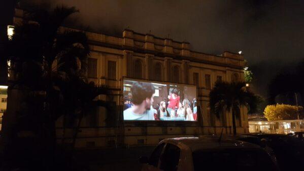 Cine drive in Museu da Gente é sucesso de público e segue nos próximos finais de semana