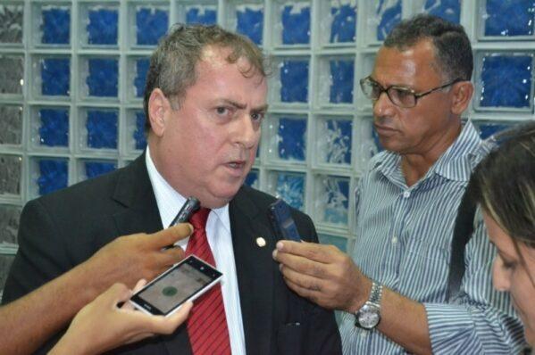 Zé Franco fecha apoio a Inaldo, Manelito será o vice