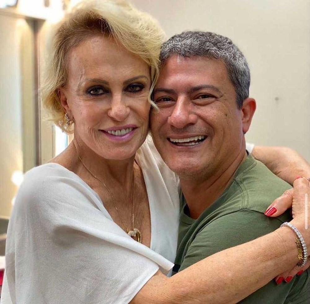 Ana Maria Braga chora ao falar de Tom Veiga, intérprete do Louro José, no 'Mais Você'