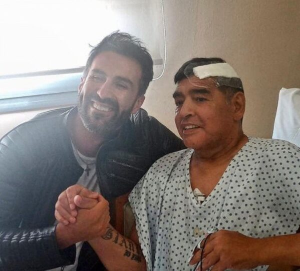 Diego Armando Maradona morre aos 60 anos depois de parada cardiorrespiratória
