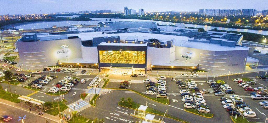 Shoppings RioMar e Jardins funcionam em horário especial