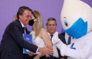 """Depois de dizer que """"não dá bola"""" à pressão por vacinação, Bolsonaro diz ter pressa por vacina contra covid."""