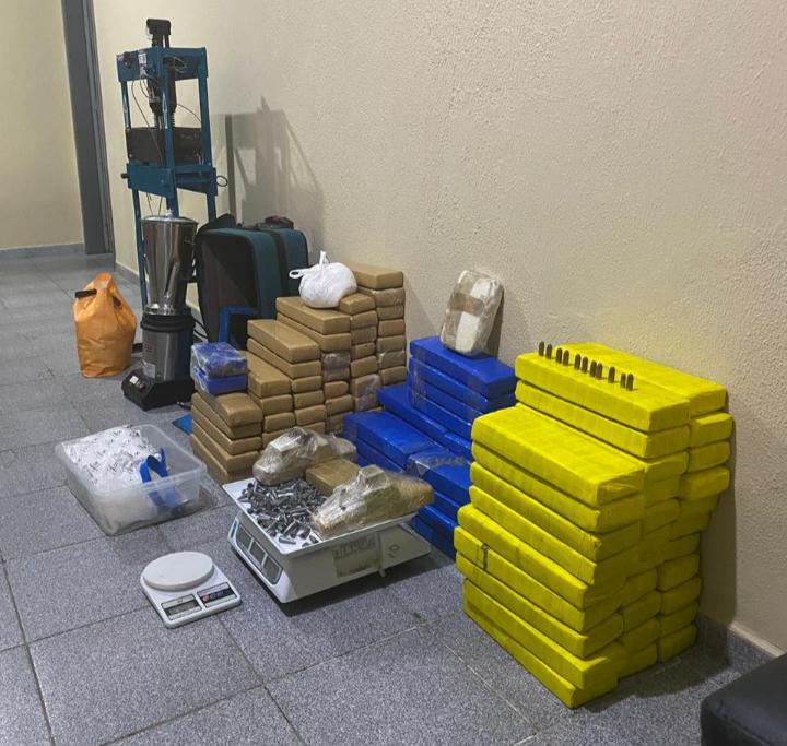 Polícia Civil prende taxista com 150 quilos de cocaína, crack e maconha