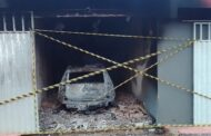 Carro pega fogo dentro de motel e condutor morre carbonizado