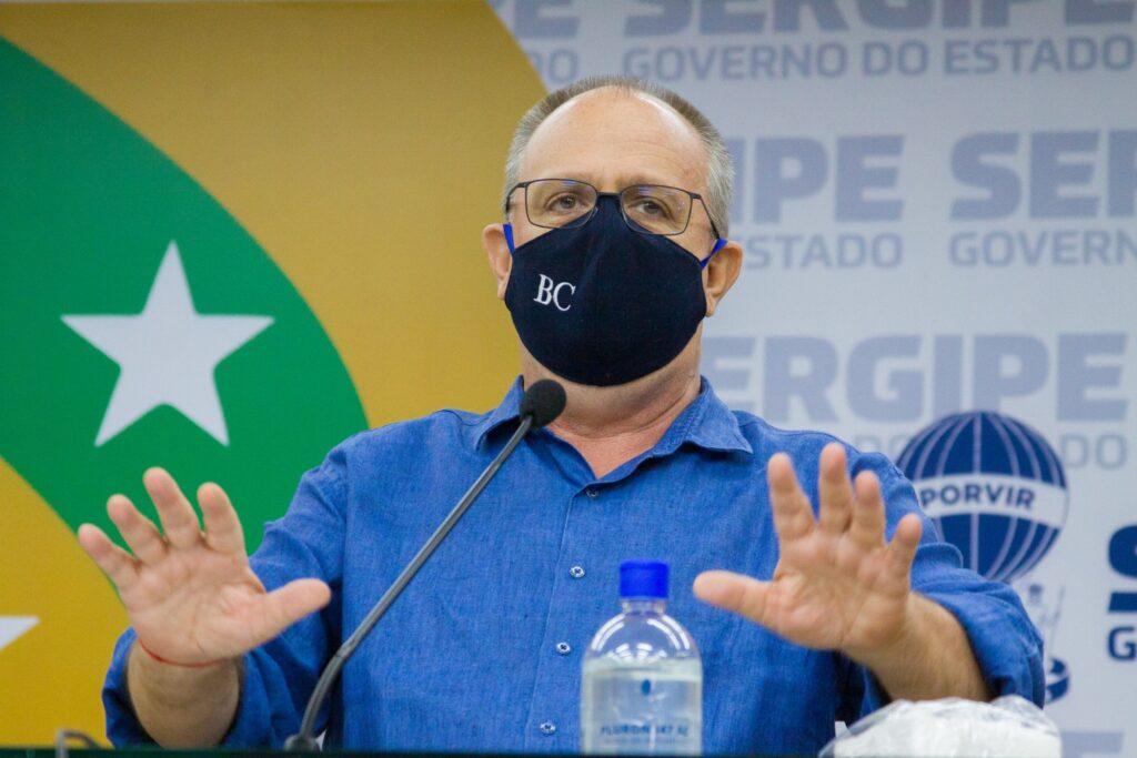 Governo adia reunião e prorroga toque de recolher em Sergipe
