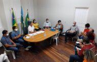 Prefeito de Laranjeiras discute pagamento de salários deixados pela gestão anterior