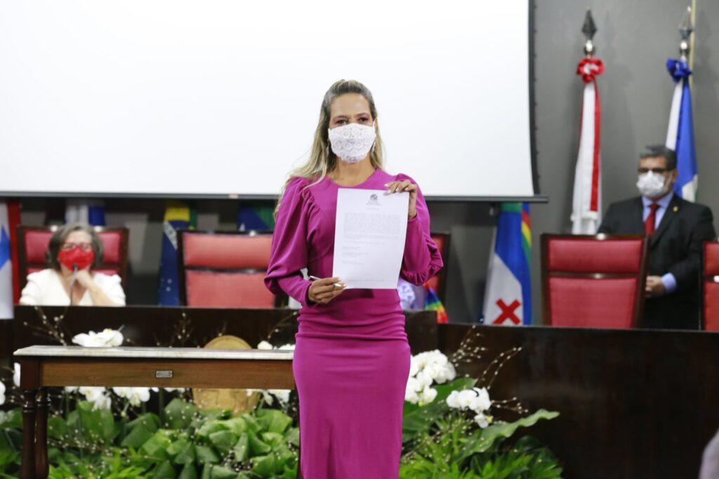 """""""Vou defender os aracajuanos e os direitos dos pacientes oncológicos de Sergipe"""", afirma Sheyla Galba"""