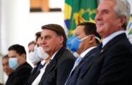 Governo negocia novo auxílio aos informais, afirma Bolsonaro
