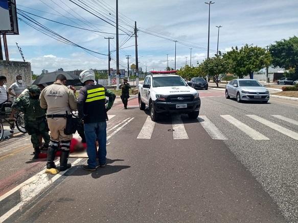 Ciclista morre após colisão com motociclista na Coroa do Meio