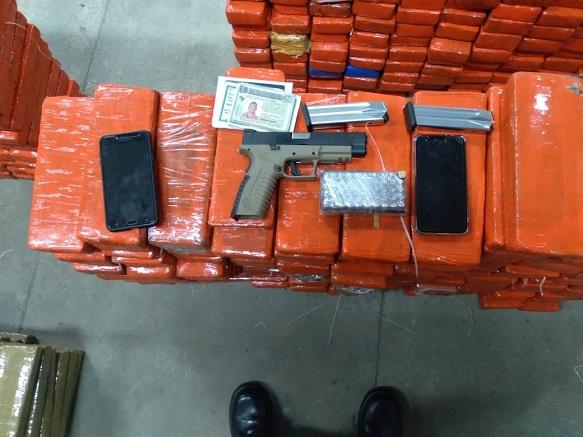 Polícia Militar apreende  mais de 600 kg de maconha, pistola 9mm e 50 munições no interior do estado