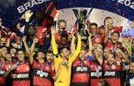 Flamengo perde para o São Paulo, conta com tropeço do Internacional e celebra o título brasileiro