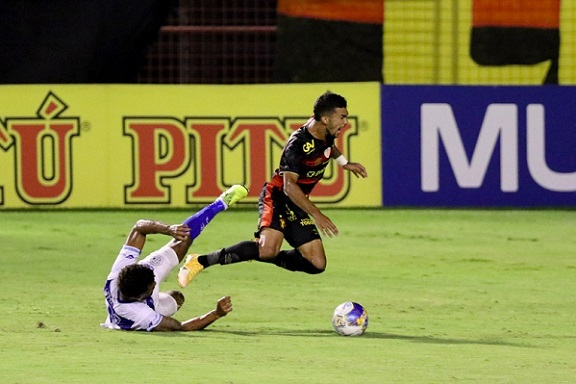 Em Recife, Confiança vence o Sport e conquista 1° vitória na Copa do Nordeste