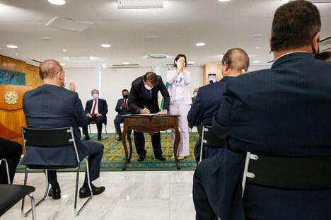 Presidente regulamenta Novo Fundeb