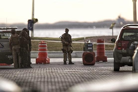 Morre PM que 'surtou' e disparou tiros de fuzil no Farol da Barra