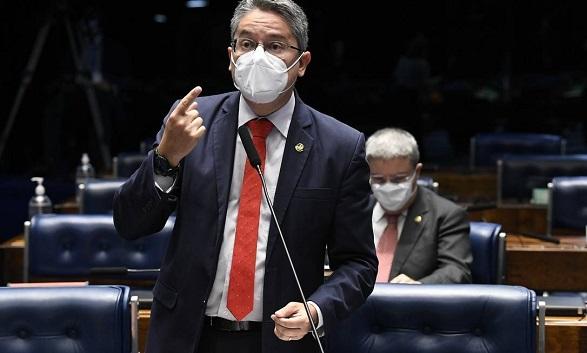 Com Covid-19, senador Alessandro Vieira será transferido para hospital em São Paulo