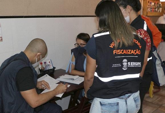 Força-tarefa fiscaliza mais de 40 estabelecimentos nos últimos quatro dias em Aracaju