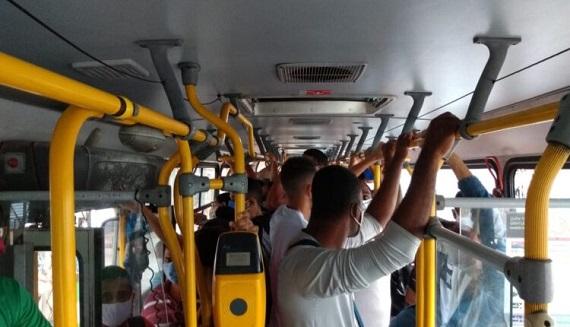 """""""Os usuários do transporte público clamam por ações da SMTT e da PMA"""", diz vereador"""