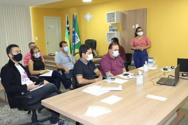 Prefeito Cristiano Viana presta contas dos primeiros 100 dias de governo