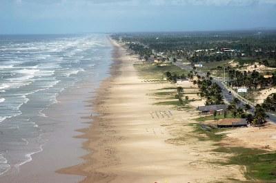 Justiça proíbe tráfego de veículos na faixa de areia das praias da Rodovia Inácio Barbosa, em Aracaju