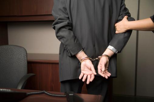 Polícia Civil cumpre mandado de prisão contra advogado indiciado por estupro de vulnerável em banheiro de supermercado de Aracaju