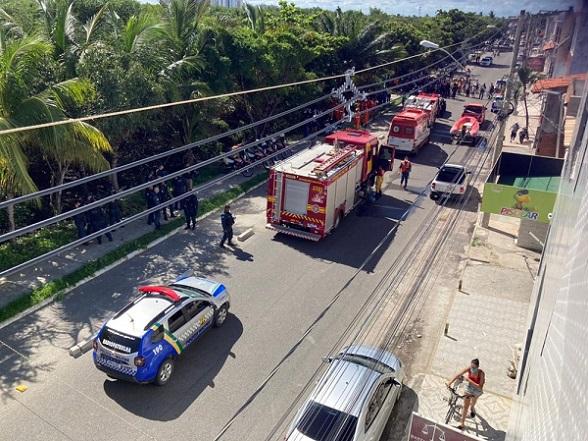 Aeronave de pequeno porte cai em região de manguezal na Zona Sul de Aracaju; uma pessoa morreu