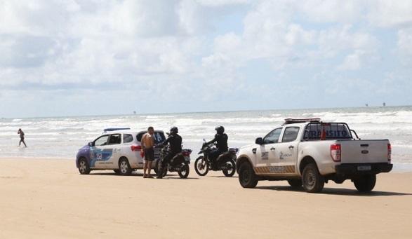 Praias, bares e restaurantes de Aracaju são fiscalizados