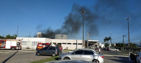 Incêndio atinge ala da Covid-19 do Hospital Nestor Piva, em Aracaju