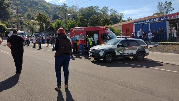 Jovem invade escola e mata três crianças e duas funcionárias em Santa Catarina