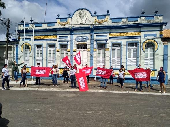 Em greve, professores de Itaporanga exigem pagamento do piso salarial