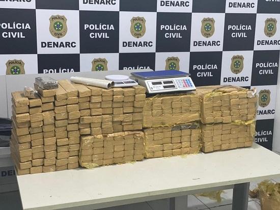 Cerca de 200 quilos de maconha são apreendidos e três suspeitos de tráfico são presos em Aracaju