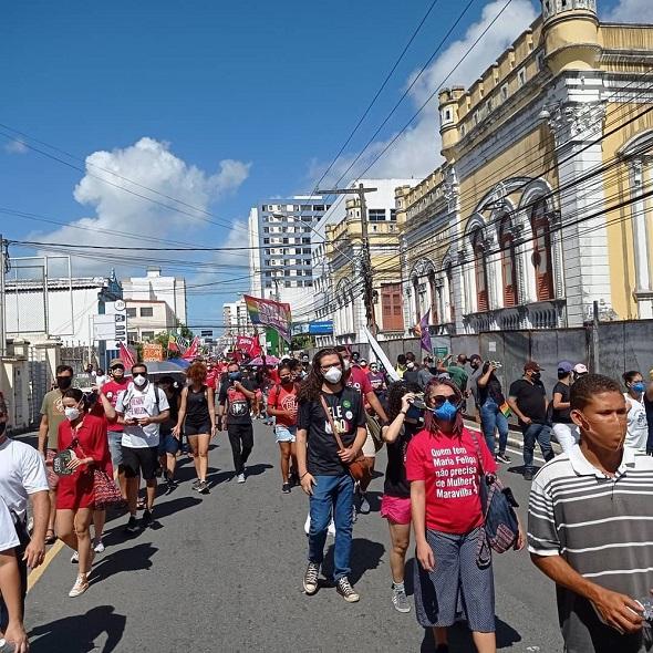 Aracaju registra ato contra o presidente Bolsonaro e a favor da vacina contra Covid