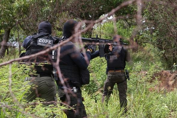 Três suspeitos de roubo e receptação de cargas morrem em confronto durante operação policial em Itabaiana